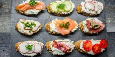 Chelbixky des sandwichs ouverts, une spécialité tchèque délicieuse